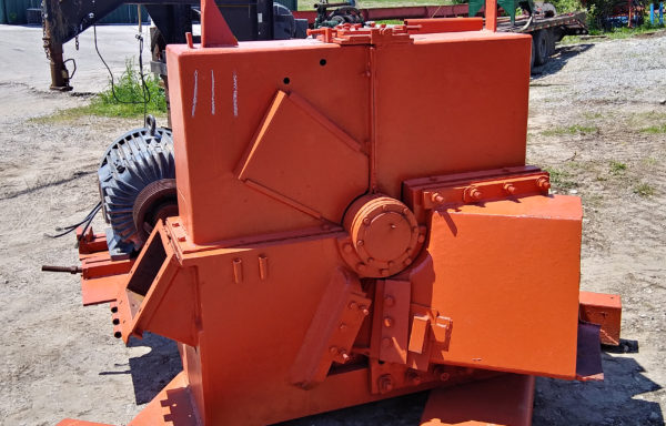 48″ Three Knife Morbark Chipper
